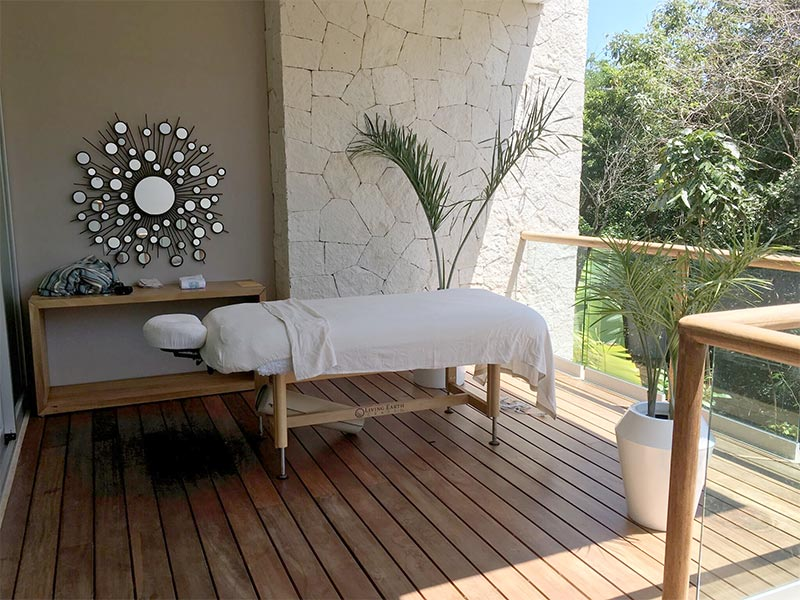 grand-luxxe-spa-massage-table