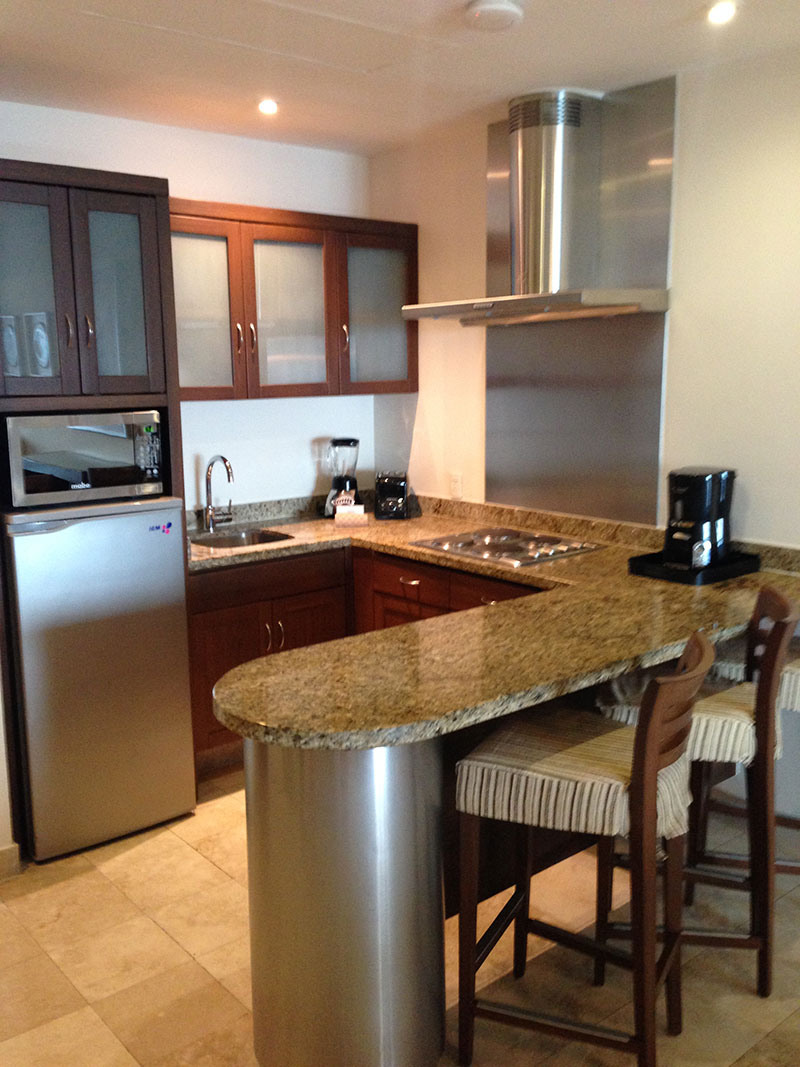 grand-mayan-1-bedroom-kitchen