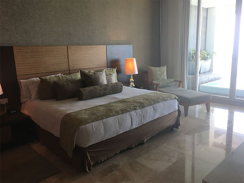 grand-luxxe-suites-grand-luxxe-1-bed-bedroom