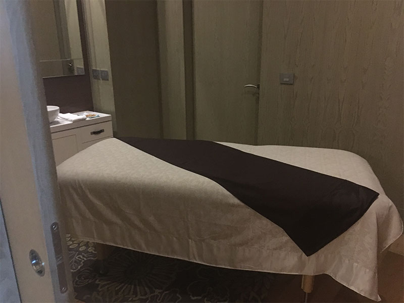 grand-luxxe-spa-tower-spa-bed