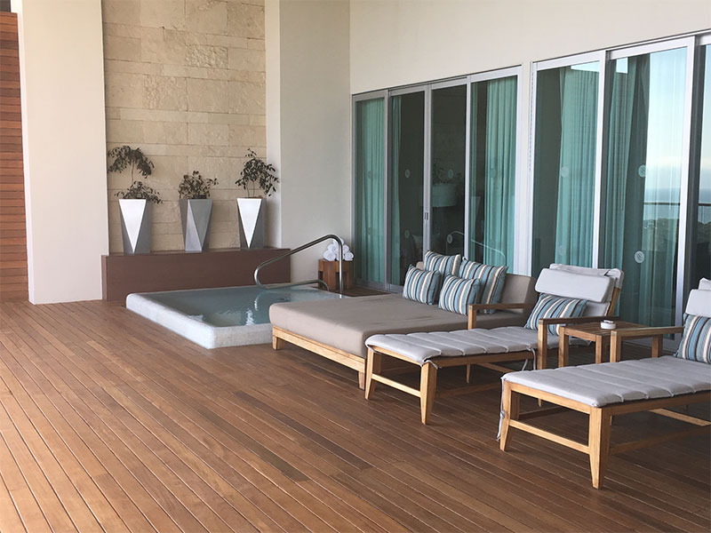 grand-luxxe-spa-tower-spa-patio